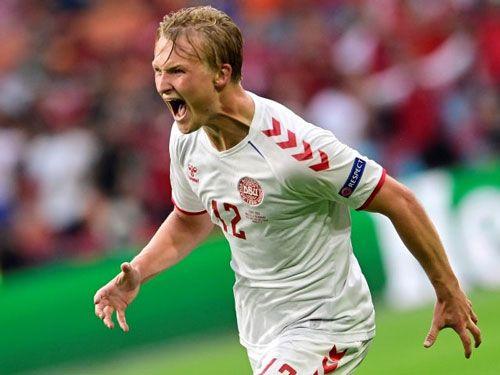 فرم پیش بینی بازی فوتبال دانمارک در مقابل جمهوری چک
